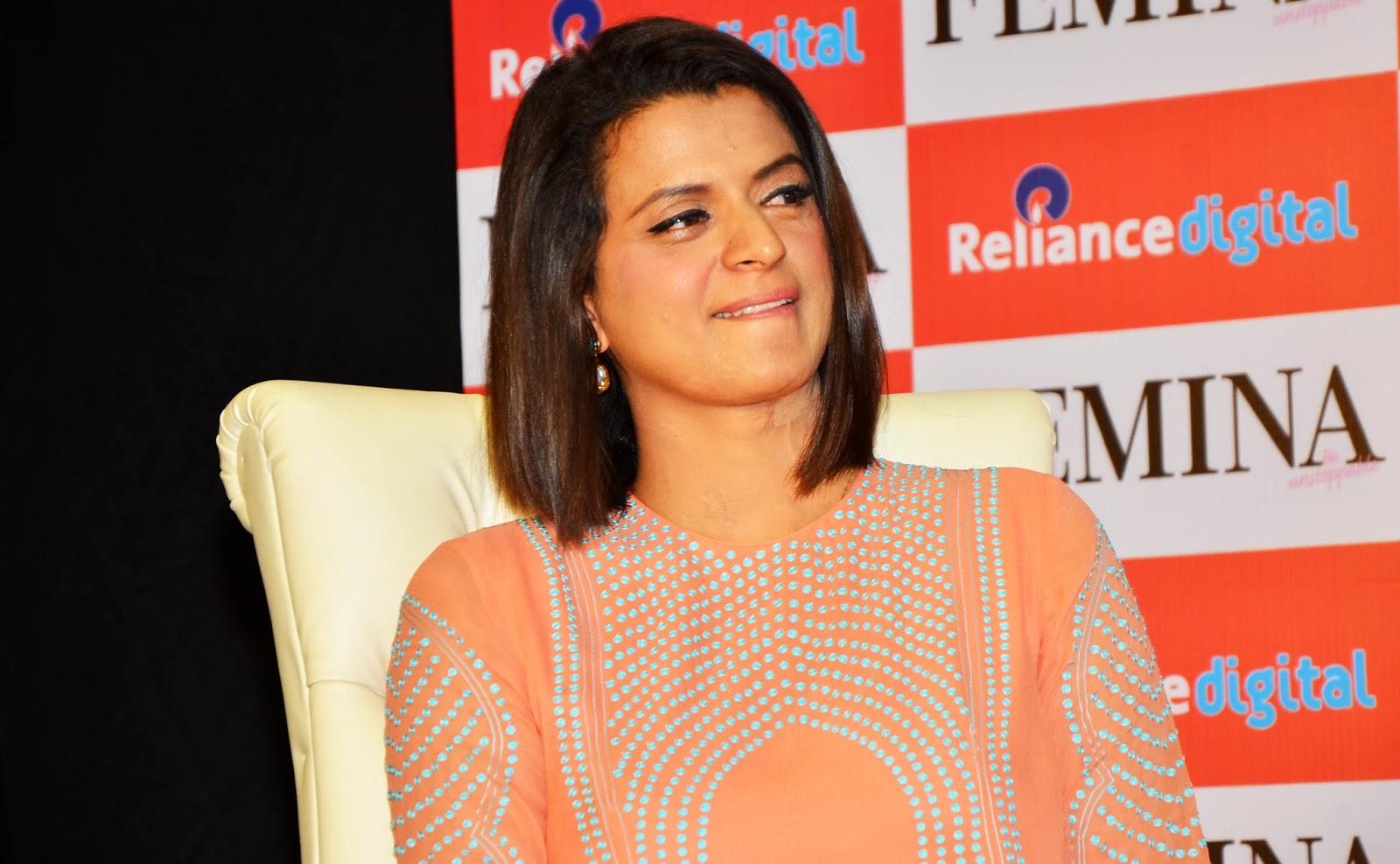 Kangana's sister, Rangoli Chandel, has accused Sona Mahapatra