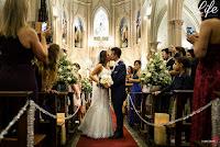 casamento com cerimônia na igreja do santíssimo sacramento e santa teresinha em porto alegre e recepção no salão dos espelhos do clube do comércio com decoração elegante sofisticada e luxuosa por life eventos especiais