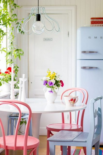 Kitchens with lots of color 3