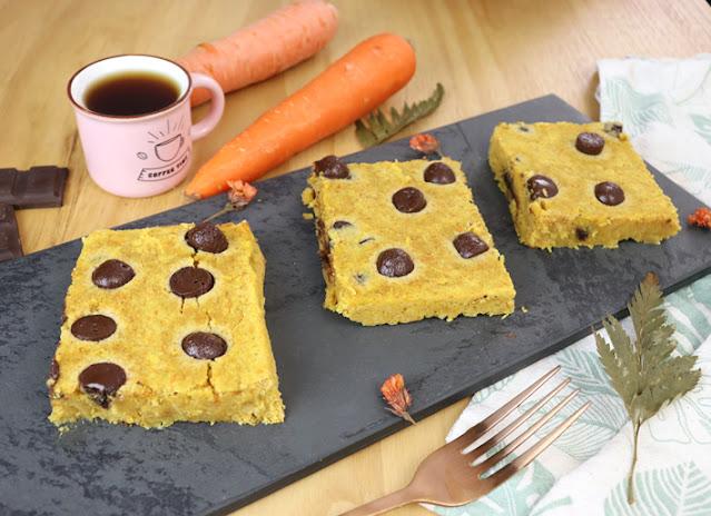 Brownie de bolo de cenoura com grão de bico (o mais fácil bolo de cenoura da sua vida)