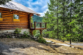 https://pixabay.com/en/log-home-mountains-rustic-country-2486076/