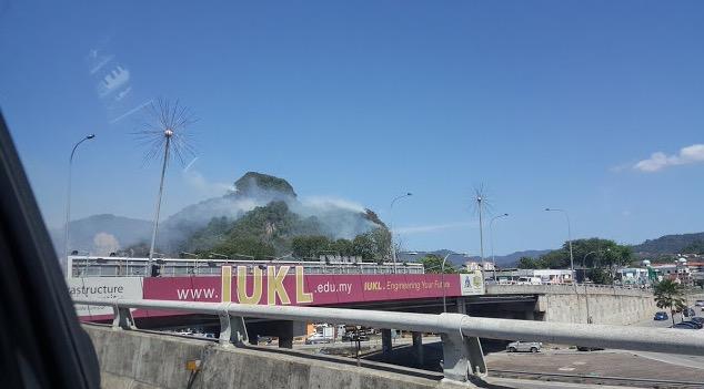 Punca Bukit Batu Caves Terbakar
