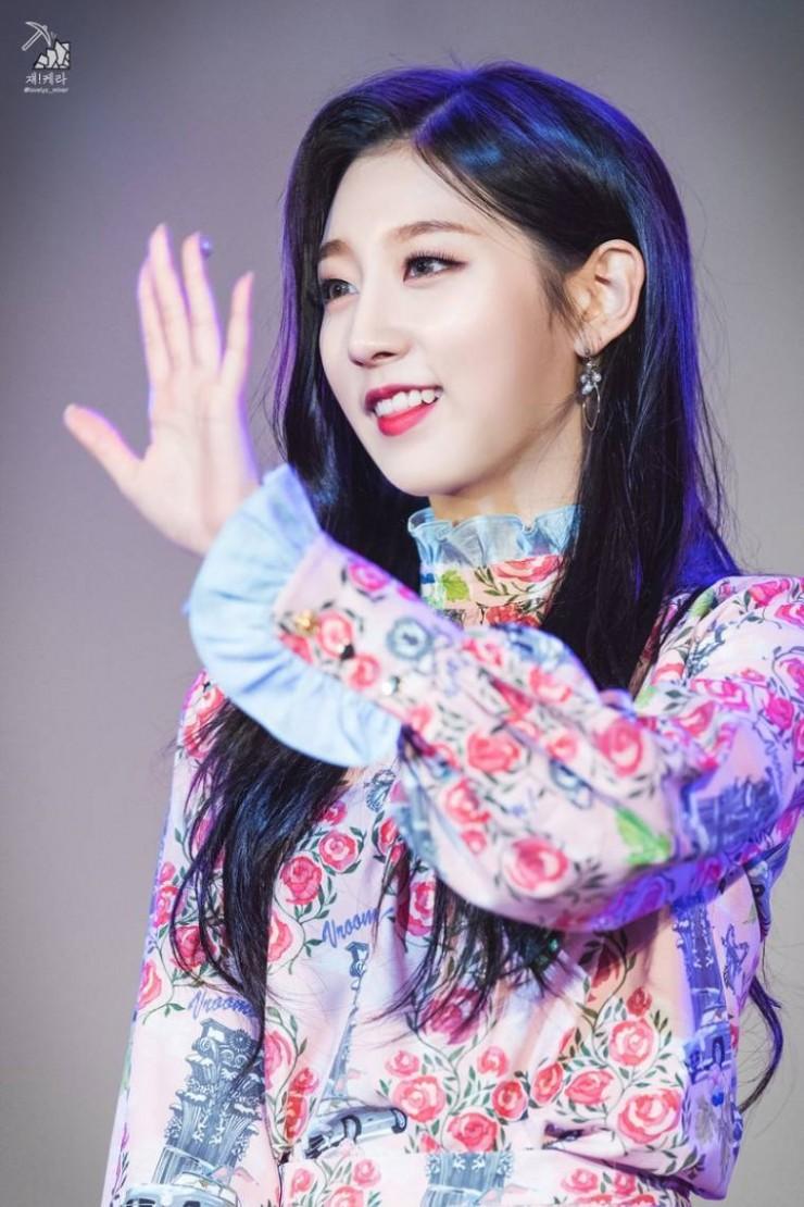 러블리즈 정예인 꽃무늬 원피스 - 꾸르