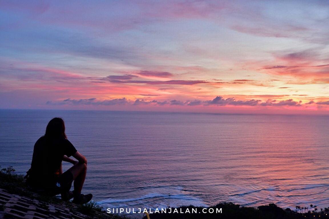 Bukit Paralayang Watu Gupit Spot Keren Menikmati Sunset Di Yogyakarta