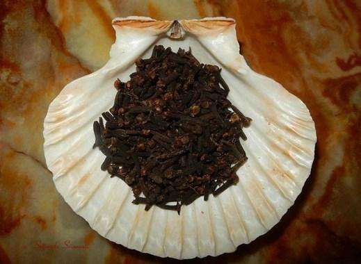 Chiodi di garofano della Syzygium aromaticum o Eugenia caryophyllata