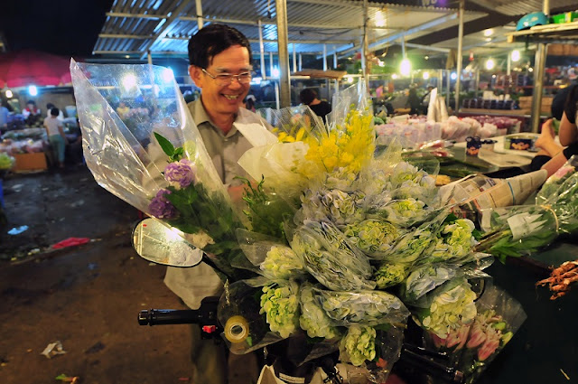 Six famous Tet flower markets in Hanoi 3