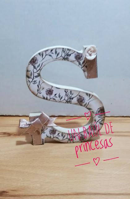 Letra S decorada
