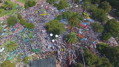 Contundente respuesta a las provocaciones de las gobernadora Vidal: más de 60 mil trabajadores.