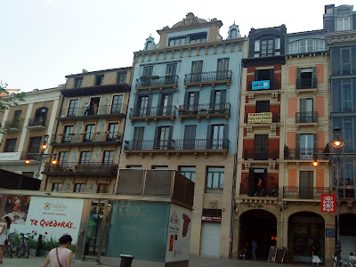 Del Castillo Square  in Pamplona / Plaza del Castillo en Pamplona / Praza do Castelo en Pamplona / Author: E.V.Pita 2012