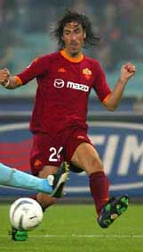 Delvecchio enjoyed his best days in a Roma shirt