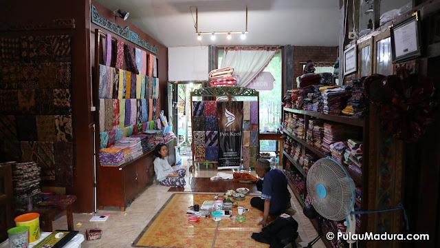 Galeri Kain dan Baju Batik Khas Madura Peri Kecil Bangkalan