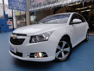 airbag motorista, alarme, freios ABS, airbag passageiro, airbag lateral, controle de tração, distribuição eletrônica de frenagem