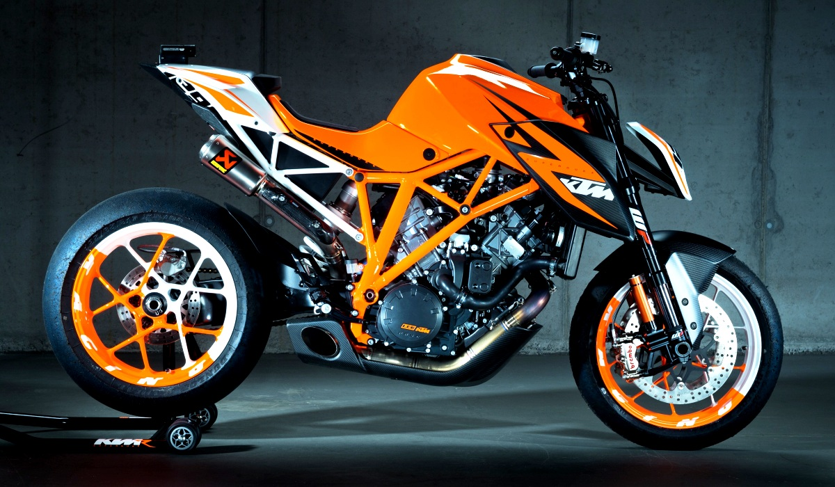 ktm super duke 1290 r bakal masuk tahap produksi majalah otomotif online. Black Bedroom Furniture Sets. Home Design Ideas