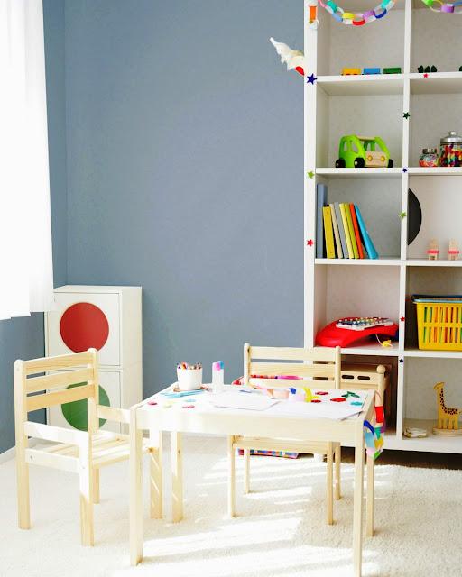 08. Coba biru jernih untuk ruang bermain anak.