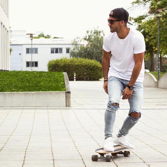 Look Masculino com calça jeans clara masculina como usar