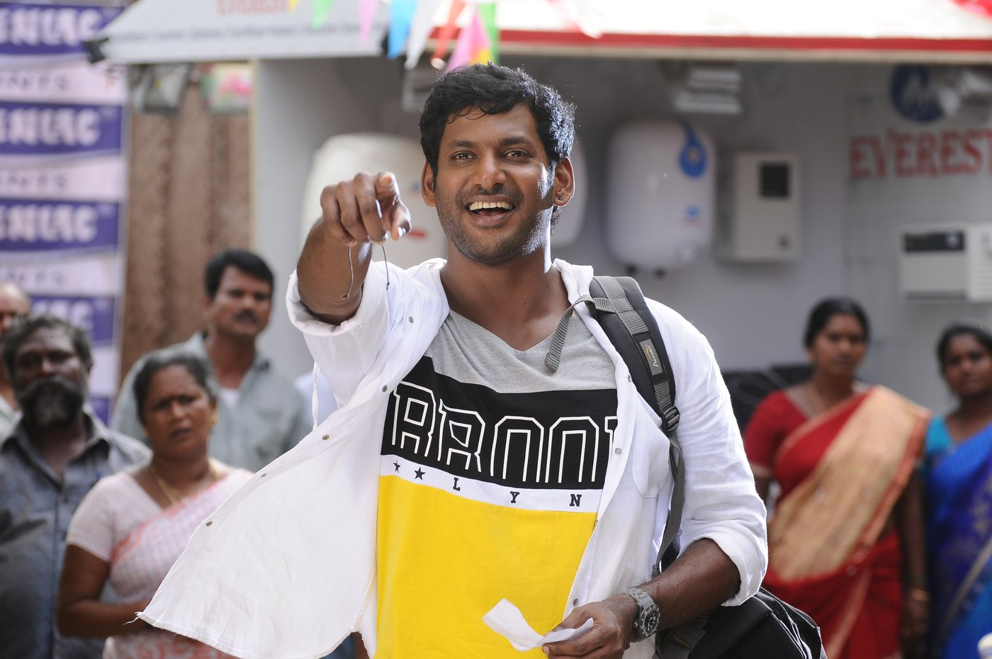 vishal okkadochadu movie stills-HQ-Photo-11