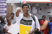 vishal okkadochadu movie stills-thumbnail-11