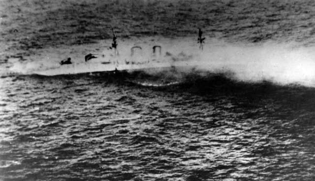 HMS Exeter sinking at the Second Battle of the Java Sea, 1 March 1942 worldwartwo.filminspector.com