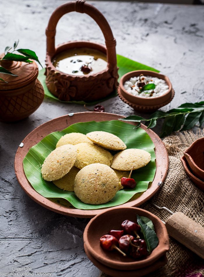 Quick vegan oats idli is a delicious, nourishing and comforting south indian dish, that can be made so quickly and enjoyed with lentil stew as known as sambar and coconut chutney.