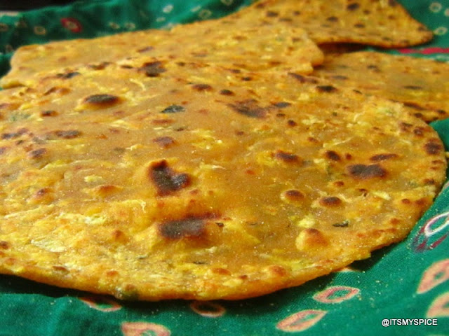 Spiced indian flatbread with bottlegourd and wheat flour