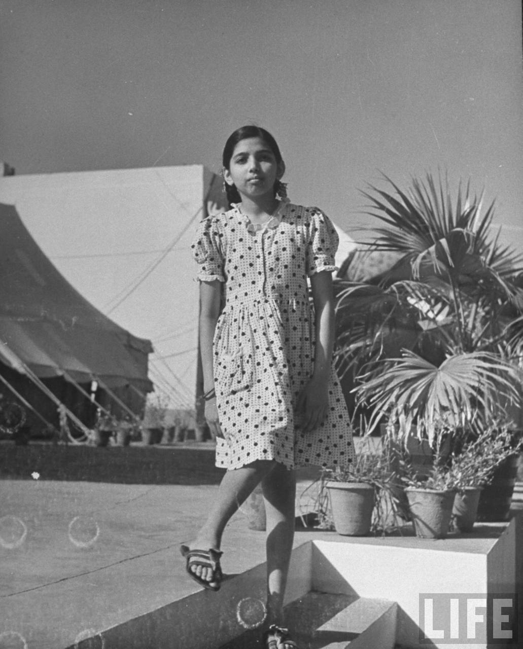 A Rare Glimpse Into Four Generations Of Mahatma Gandhi Family