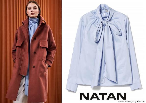 Queen Mathilde wore Natan cotton poplin bowtie blouse in light blue Fall Winter 2020 collection
