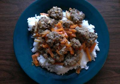 Klopsiki z mięsa mielonego z marchewką i ryżem