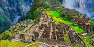 1. Machu Picchu Berada di Lokasi yang Spektakuler