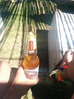¿Por qué en las cervezas se pone el limón en el cuello de la botella?