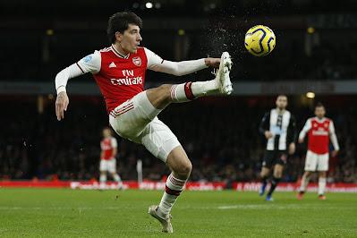 Tottenham gặp khó vì COVID-19, Arsenal muốn để Bellerin sang PSG 1