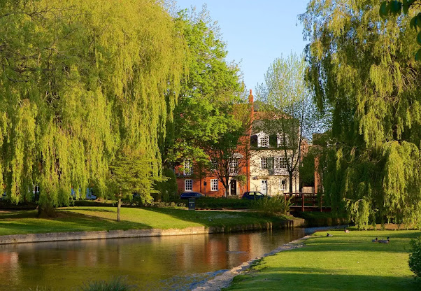 Explore & Discover The Best of Wiltshire, England