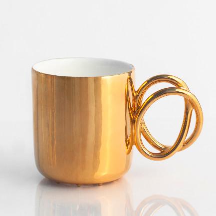 Złoty kubek na prezent