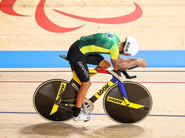Lauro Chaman conseguiu o melhor resultado da equipe brasileira - Foto: UCI / Divulgação