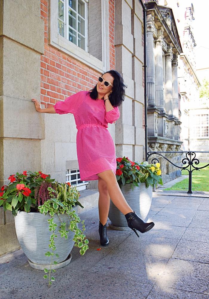 Różowa sukienka uszyta z wykroju Burda 08/2018 model #101