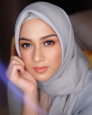 Make Up Fraeckless cantik dna manis Bibir merah Nina Zatulini