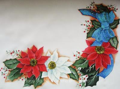 caminho de mesa com tema natalino flores e laço de fita