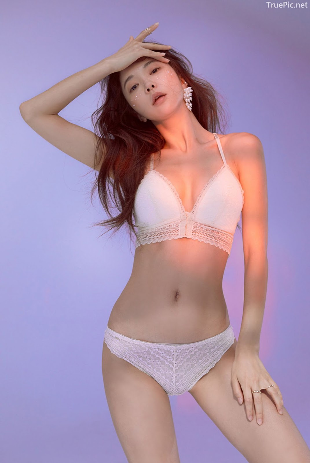 Korean model and fashion - Park Soo Yeon - Beautiful White Bralette Lingerie Set - Picture 2