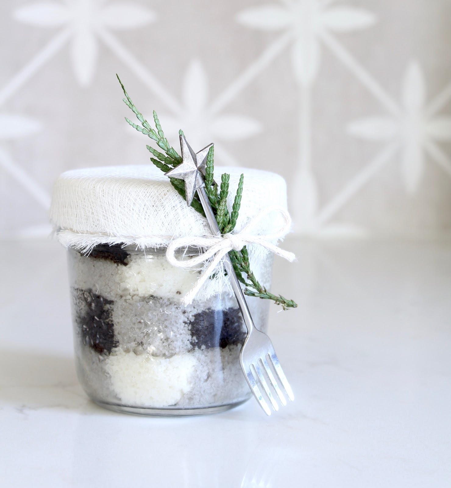 buffalo plaid cake in a jar