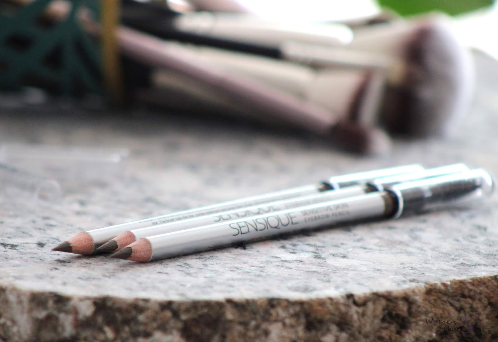SENSIQUE Sensitive Skin Eyebrow Pencil
