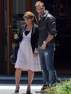 Here Are The New Pictures Of William And His Wife Elizabeth Well These Best Images For Your Enjoyment Galanazo In Chronological Order