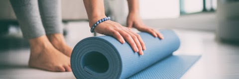 Yoga Clothing Mats And More What You Need To Get Started