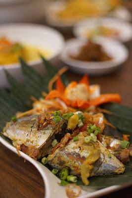 Paket Borneo, pepes kuning ikan Swiss-Bellin Singkawang