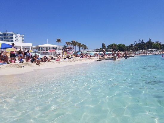 شاطئ نيسي - قبرص