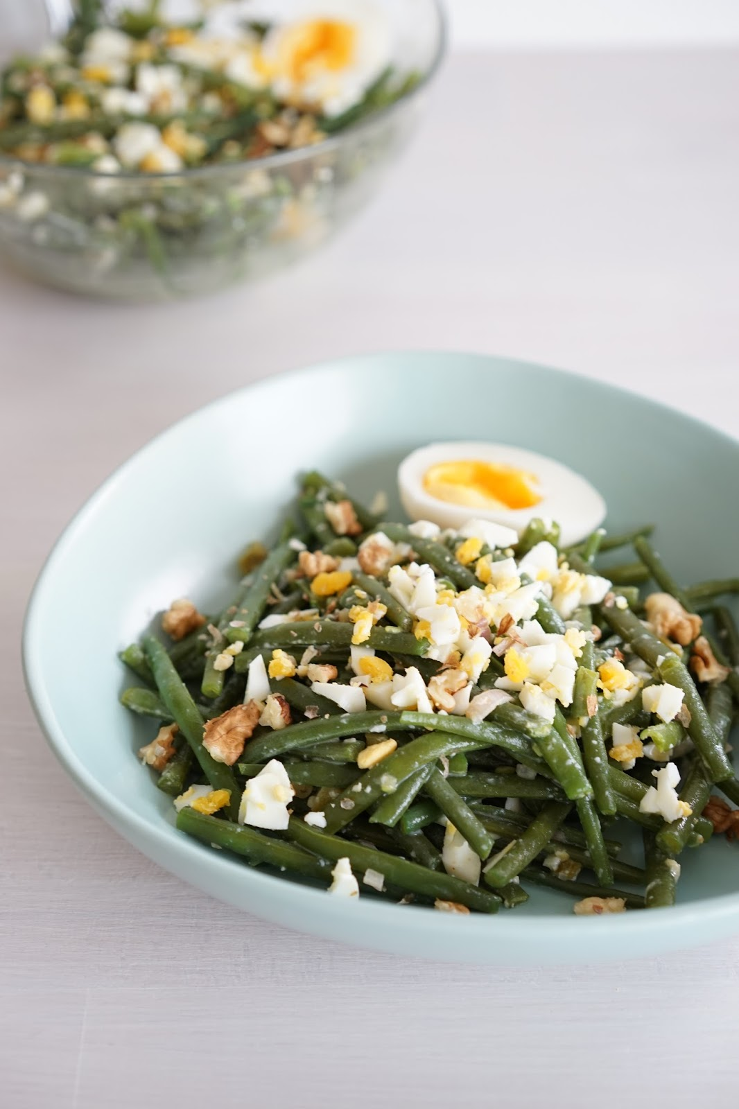 the cook time salade de haricots verts vinaigrette l 39 oeuf fa on cyril lignac. Black Bedroom Furniture Sets. Home Design Ideas