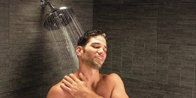 Inilah Sejumlah Alasan Kenapa Pria Suka Berlama-Lama Di Kamar Mandi