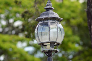 Cara Pemasangan Lampu Taman Yang Indah Dan Menarik Listrikan