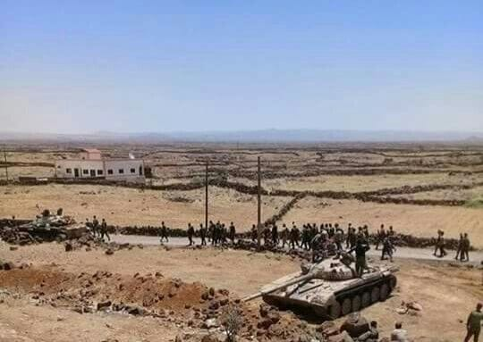 """الجيش يسيطر على""""اللجاة"""" وحالة انهيار واسعة في صفوف الإرهابيين."""