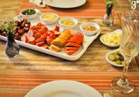 salsichas e mostardas