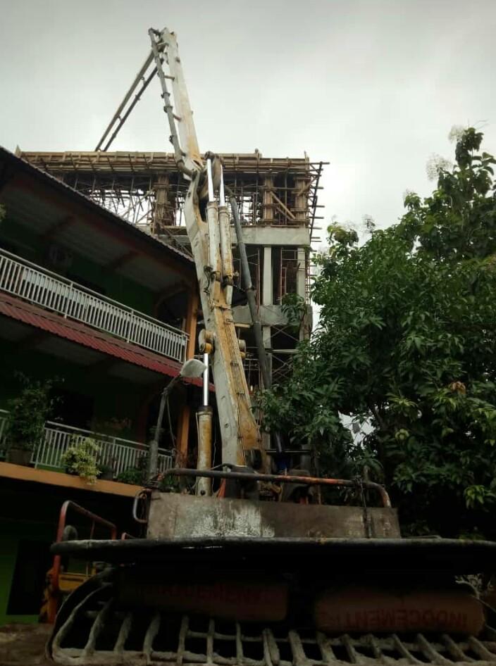 harga readymix kami setting lengkap dengan concrete pump siap di rentalkan atau di sewakan