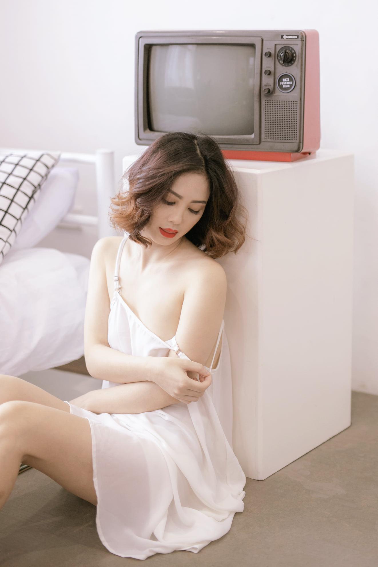 Tải ảnh gái đẹp về máy điện thoại